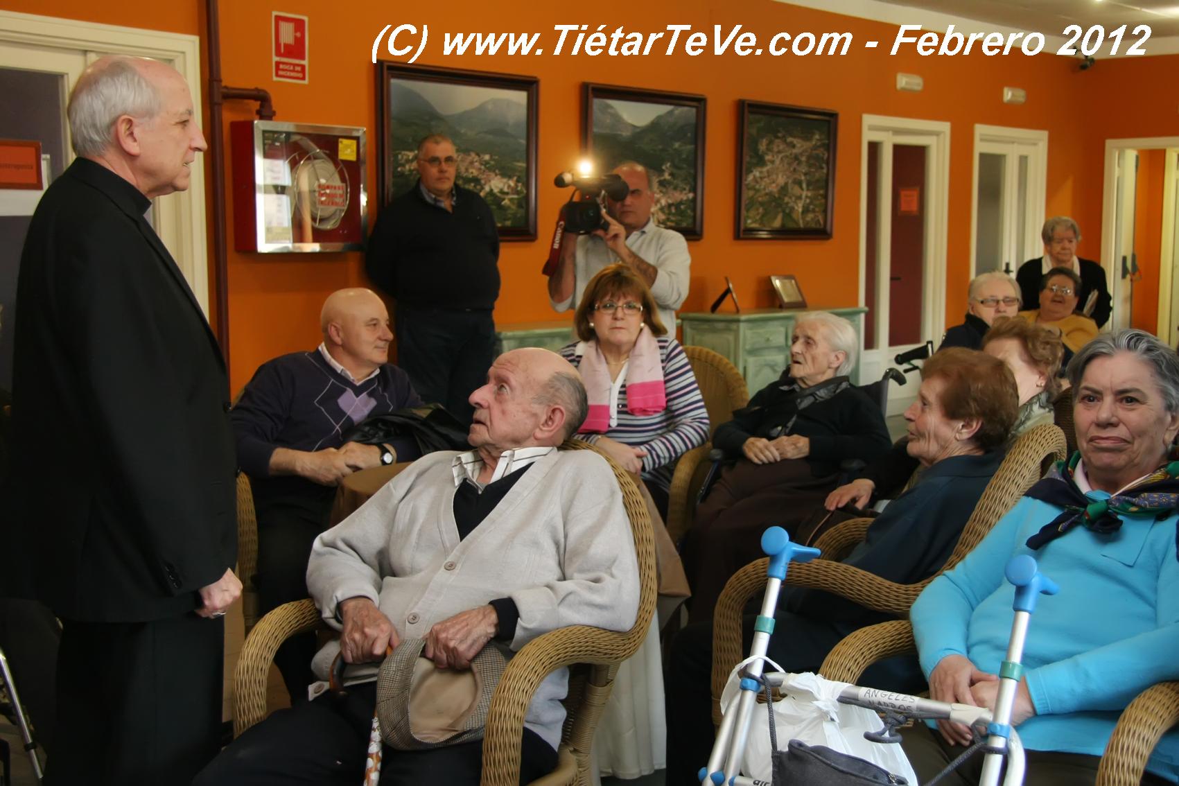 Visita del Obispo de Ávila a la Residencia San Andrés
