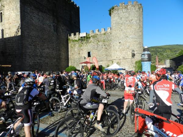 Naturbikes Extreme MTB - Salida desde el Castillo de Arenas