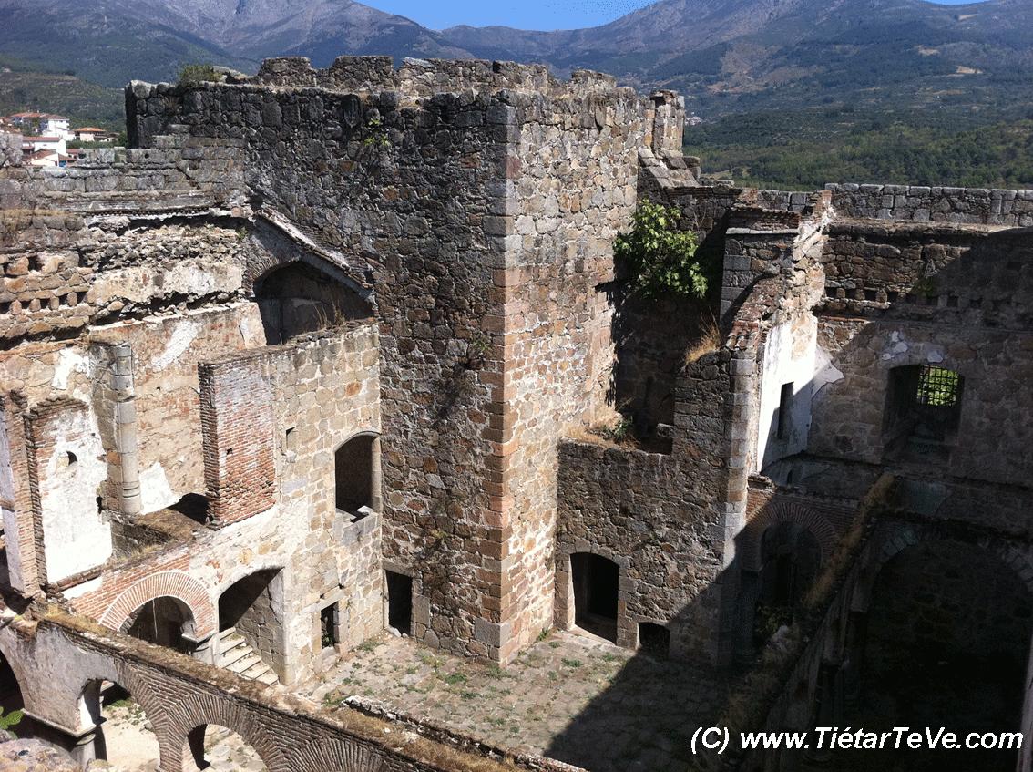 Bienes de Interés Cultural - Interior Castillo de los Duques de Alburquerque