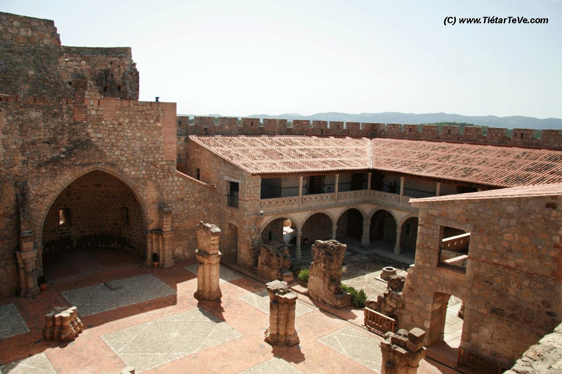 Bienes de Interés Cultural - Interior del Castillo de La Adrada
