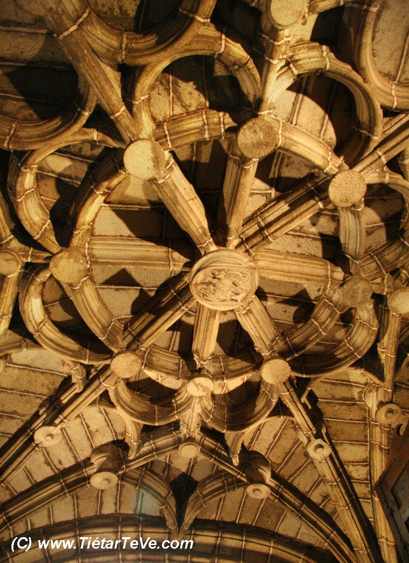 Bienes de Interés Cultural - Iglesia de San Juan Bautista de Mombeltrán
