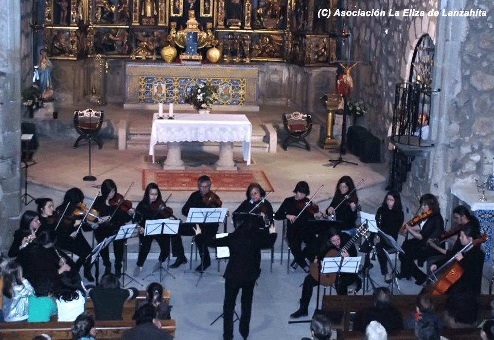 2012-05-05 Concierto Orquesta y Coros Escuela de Música Luigi Boccherini en Lanzahíta - Guitarra: Ana Cortázar