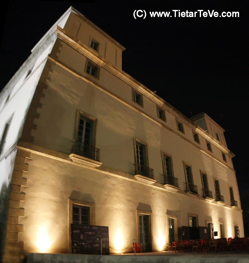 2012-08-04 Panorámica Nocturna del Palacio de la Mosquera