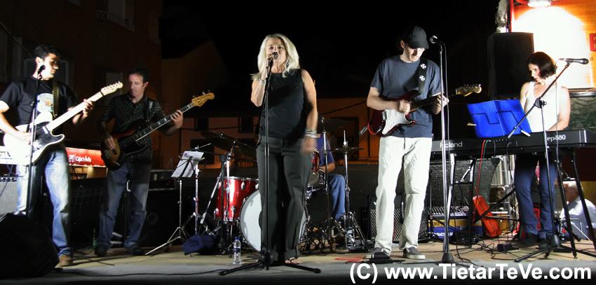 """Actuación de Miriam Rice el 9 de agosto de 2008 con el grupo """"Contralapared"""""""