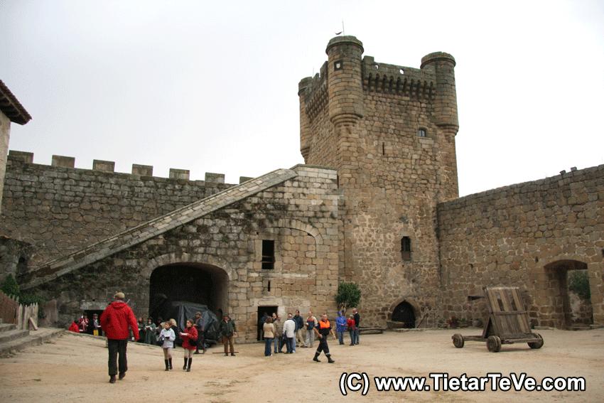 Romería de San Pedro de Alcántara - Salida desde el Castillo de Oropesa