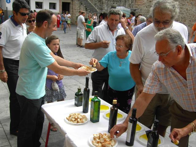16 Sept 2012 - Cata de Aceite en Santa Cruz del Valle - ONG Gloria Olivae