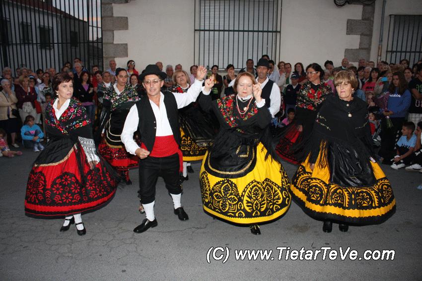 Coros y Danzas de El Barraco
