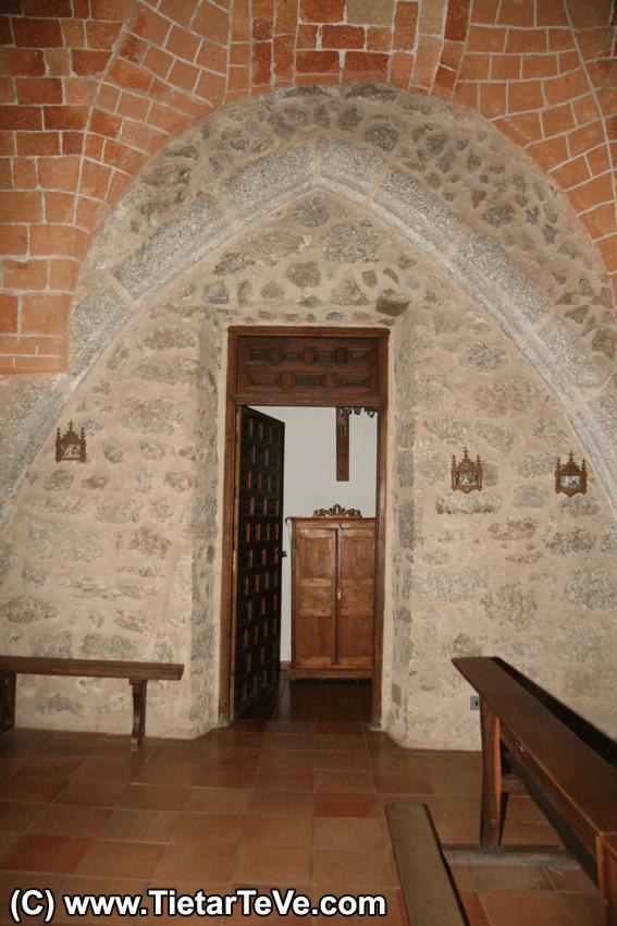 Restos del Antiguo Convento de San Andrés integrados en el Santuario de San Pedro de Alcántara