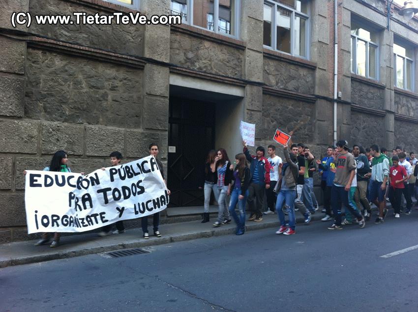 Manifestación de Estudiantes contra los Recortes en Educación en Arenas de San Pedro