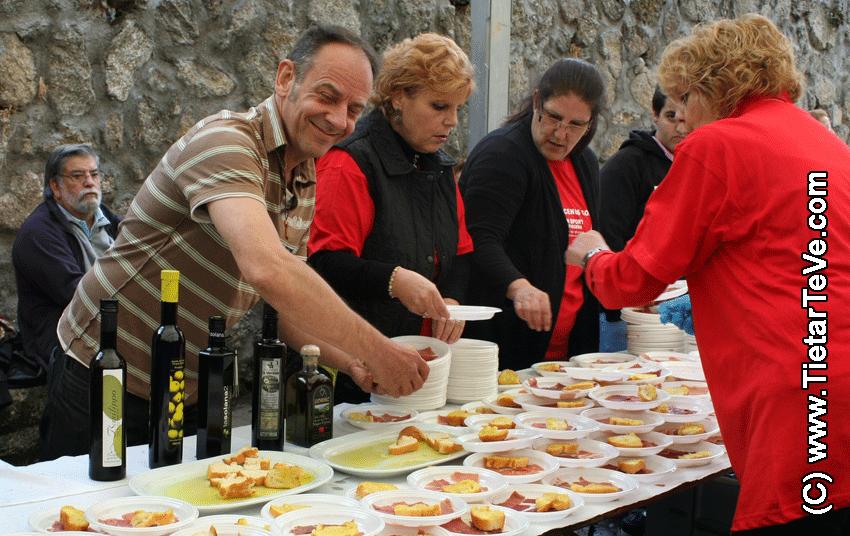 Degustación de jamón y aceite de oliva virgen extra en San Pedro de Alcántara