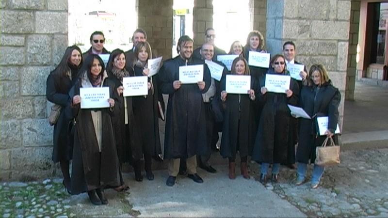 Concentración Contra las Nuevas Tasas Judiciales en Arenas de San Pedro - TiétarTeVe - TietarTeVe.com