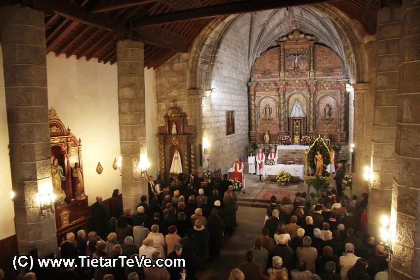 Misa Solemne en las Fiestas en honor a San Sebastián en Poyales del Hoyo del 2010 - TiétarTeVe.com