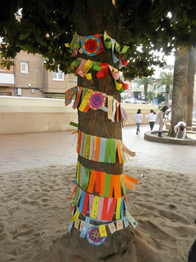 Árbol de los Deseos - Día de la Paz 2013 en el Colegio Divina Pastora de Arenas de San Pedro - TiétarTeVe