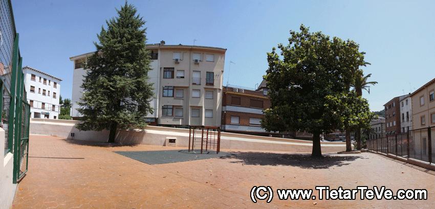 Colegio Divina Pastora de Arenas de San Pedro - Patio Exterior - TiétarTeVe