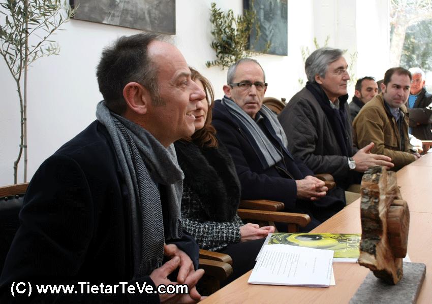 Mesa Presidencial de los I Premios Corazón de Olivo del Valle del Tiétar - TiétarTeVe