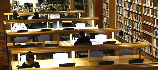 Biblioteca del Palacio de Los Serrano de Ávila - TiétarTeVe
