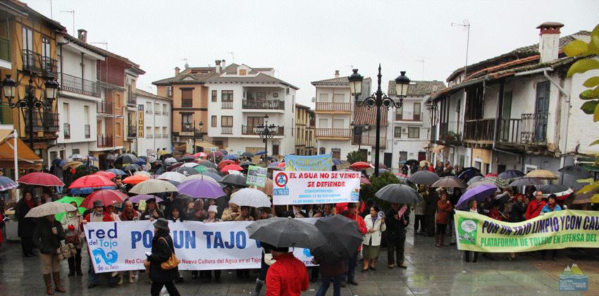 Manifestación de la Plataforma Contra la Privatización del Agua de Candeleda