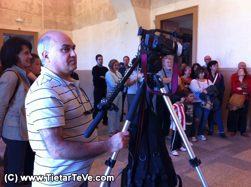 TiétarTeVe durante la visita guiada al Palacio de la Mosquera