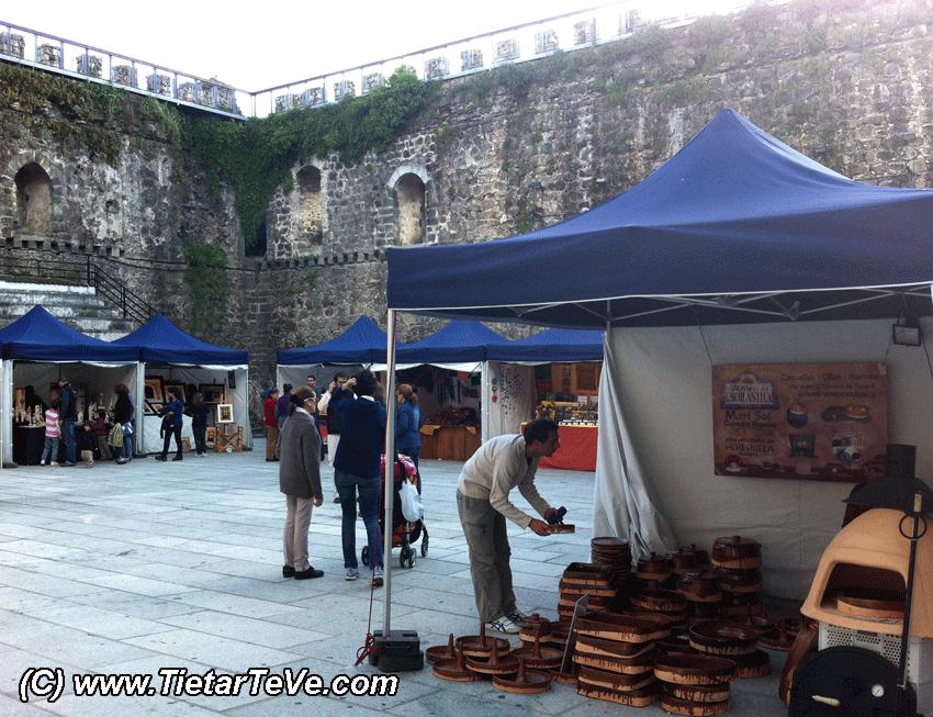 Mercado de Artesanía de Arenas de San Pedro - TiétarTeVe