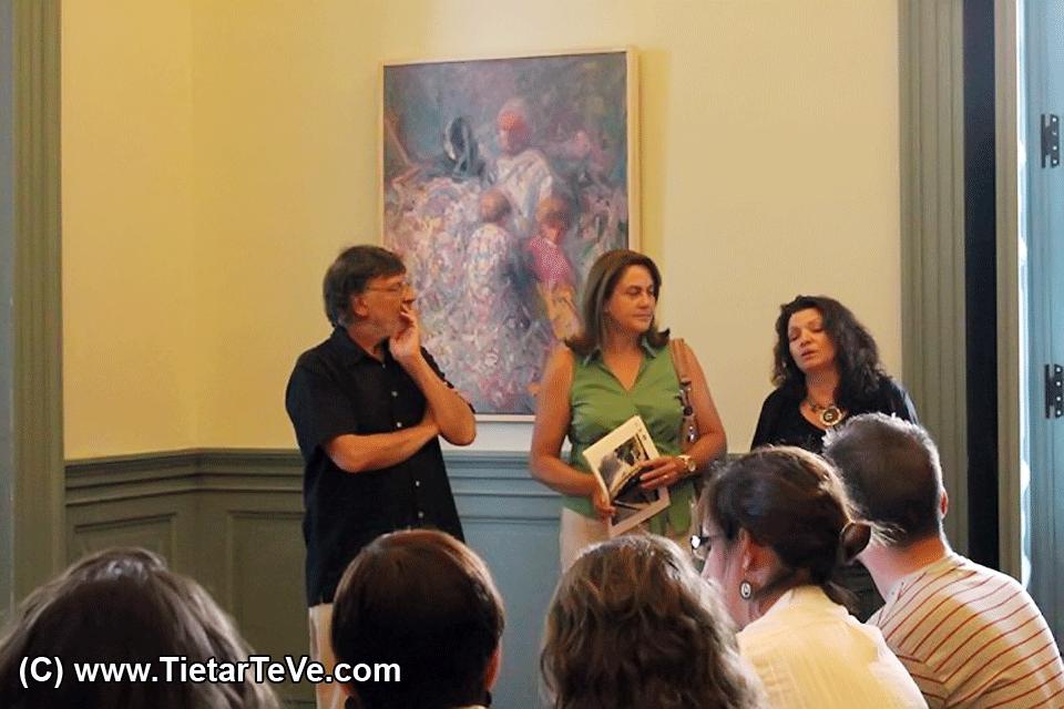 Caridad Galán inaugura la VI Muestra de Arte Contemporáneo de Arenas de San Pedro - TiétarTeVe