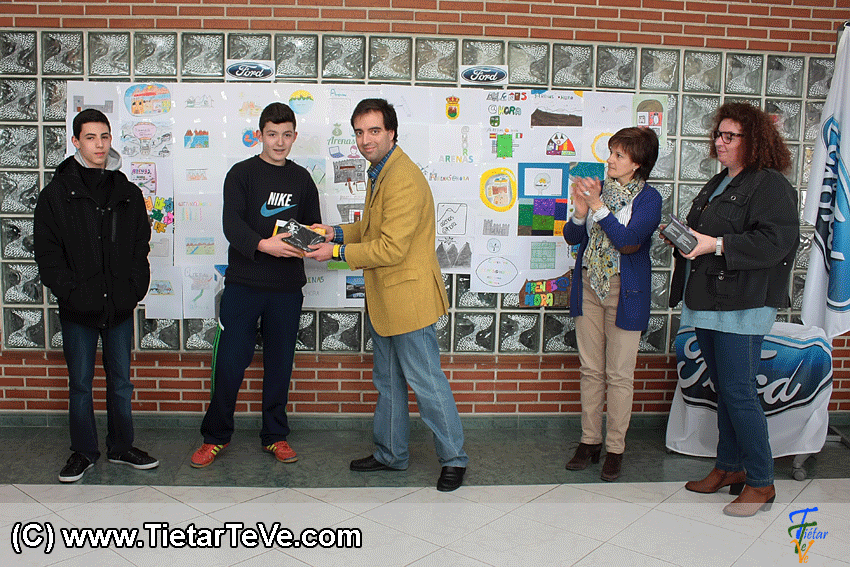 Entrega de Premios del Concurso del Logotipo de ARENAS AHORA de Arenas de San Pedro - TiétarTeVe