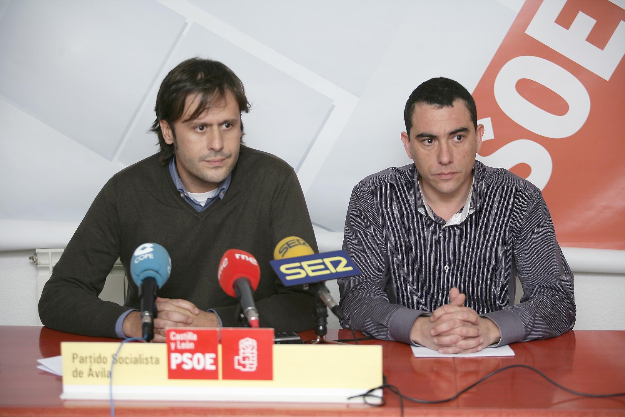 Óscar Tapias y Felipe Lozano del PSOE de Arenas de San Pedro - Por la calidad educativa - TiétarTeVe