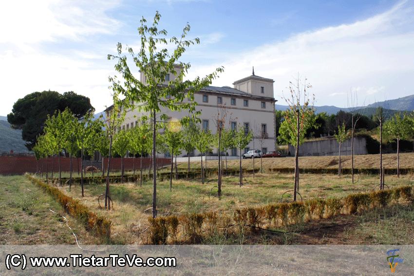 Palacio Real del Infante don Luis de Borbón y Farnesio de Arenas de San Pedro - TiétarTeVe