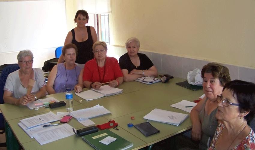 Alumnas y profesora del Taller de la Experiencia de Candeleda - TiétarTeVe