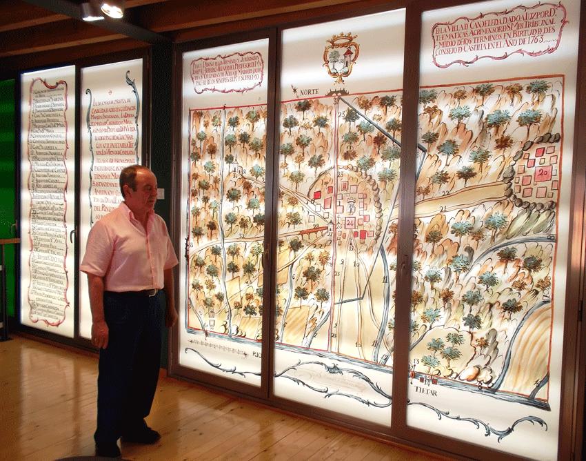 El Alcalde de Candeleda en el Museo Etnográfico - TiétarTeVe
