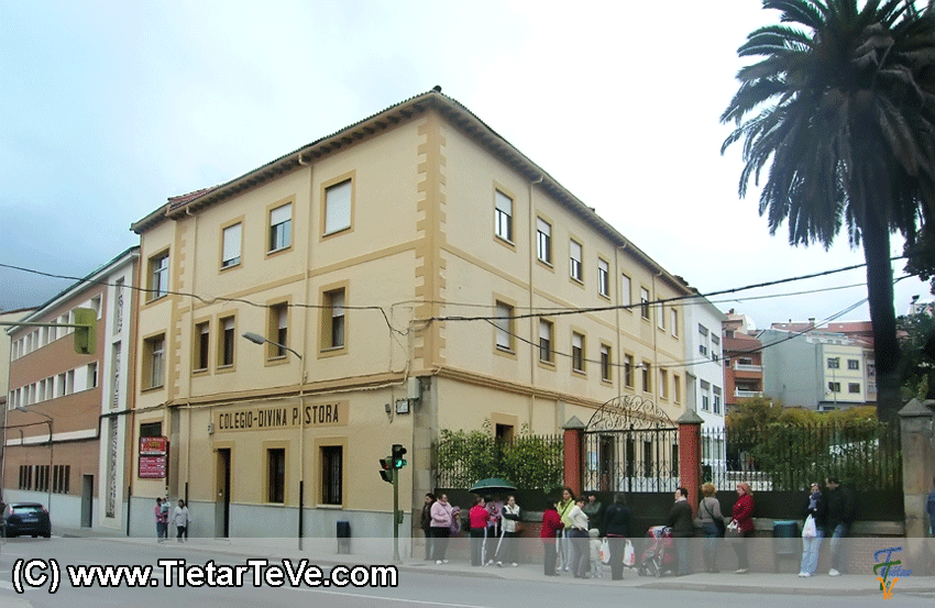 Colegio Divina Pastora de Arenas de San Pedro - TiétarTeVe