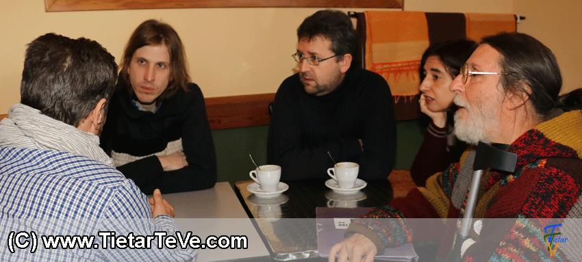 Reunión con la Plataforma pro Hospital del Valle del Tiétar con Claro que Podemos en Arenas de San Pedro - TiétarTeVe