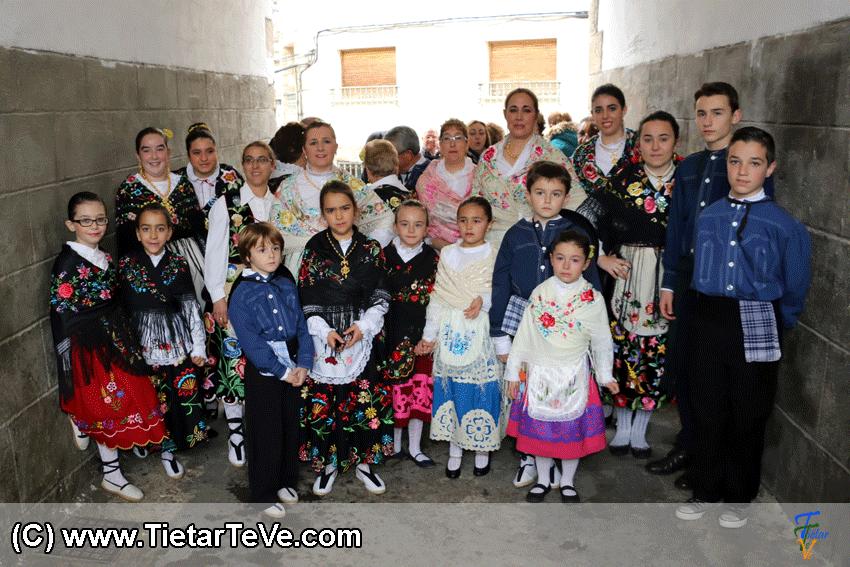 Grupo de Baile de Pedro Bernardo en Mascarávila 2015 - TiétarTeVe