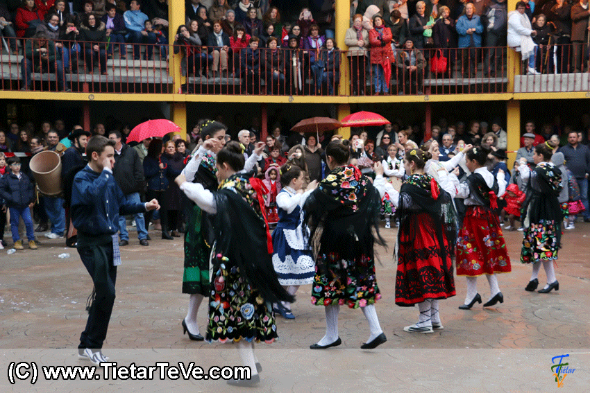 Grupo de Baile de Pedro Bernardo en Mascarávila 2015 de Pedro Bernardo - TiétarTeVe