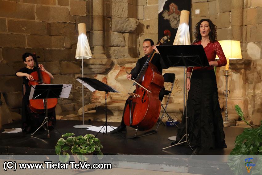Irene Mateos (Chelo), Miguel Franco (Contrabajo) y Carmen Ávila (soprano) - TiétarTeVe