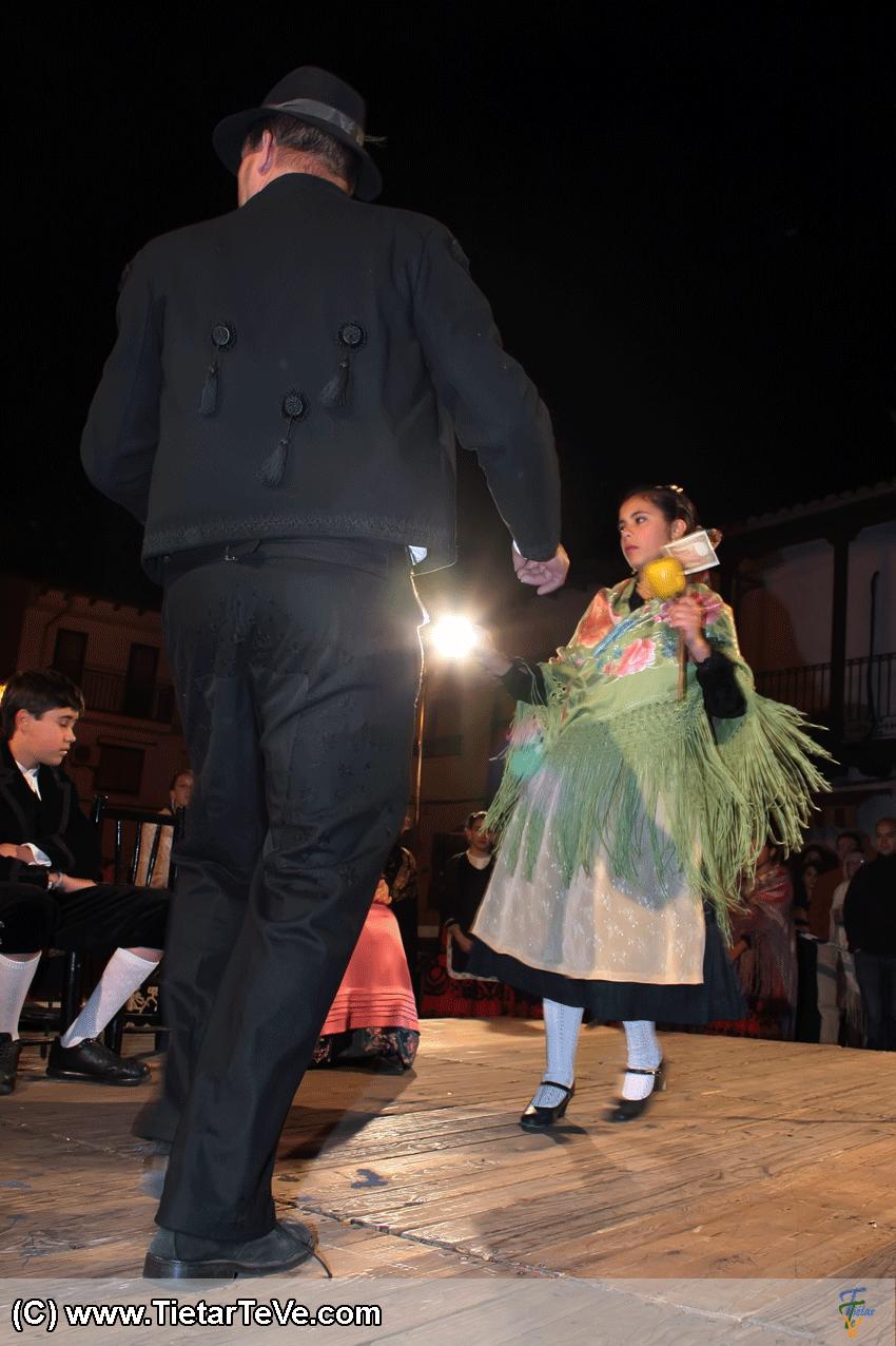 Baile de la Manzana en la Boda Tradicional de Candeleda - TiétarTeVe