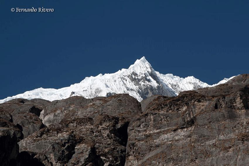 Ayudando a Nepal en Arenas de San Pedro - TiétarTeVe