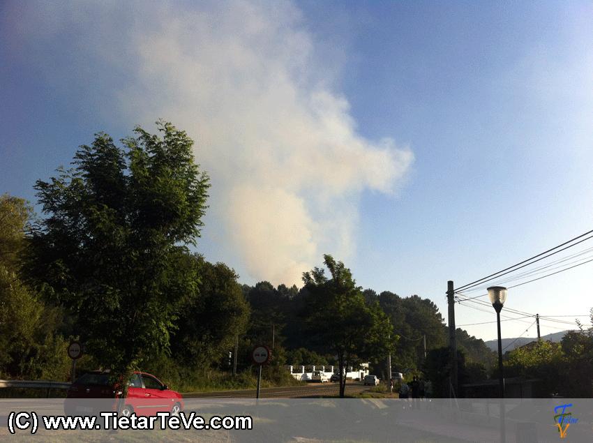 Incendio en El Berrocal de Arenas de San Pedro - TiétarTeVe