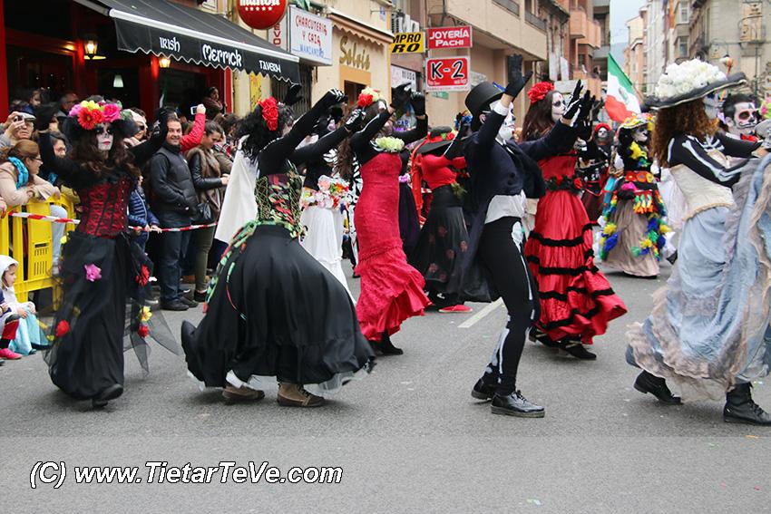 Loca Farándula en el Carnaval 2016 de Arenas de San Pedro - TiétarTeVe