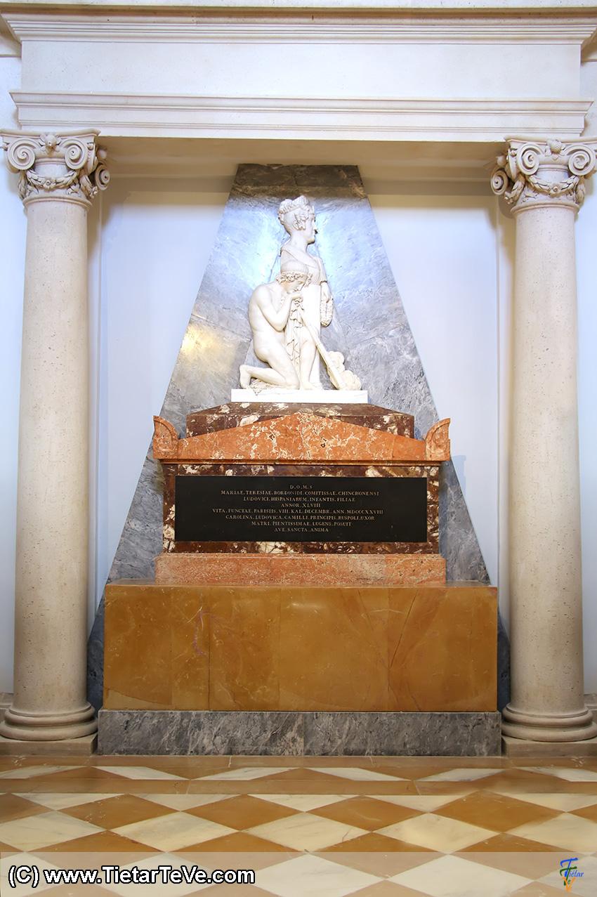 Tumba de la Condesa de Chinchón en la Capilla del Palacio de Boadilla del Monte