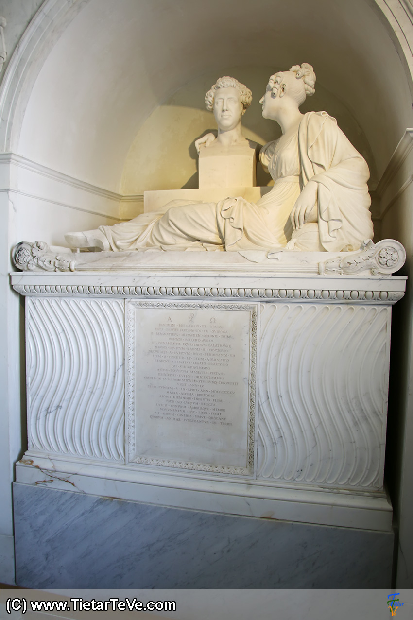 Tumba de María Luisa de Borbón y Vallabriga en la Sacristía del Palacio de Boadilla del Monte