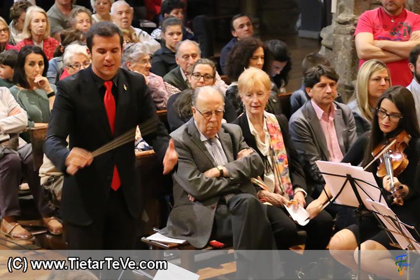 José Ureña Eiras, director de los Coros y Orquesta de la Escuela Municipal de Música de Arenas de San Pedro - TiétarTeVe