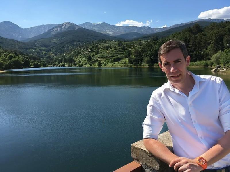 Diego Garzón de Ciudadanos Ávila en el Pantano de Arenas de San Pedro - TiétarTeVe