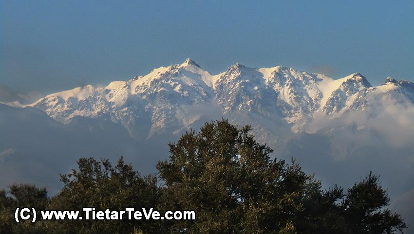 La Sierra de Gredos desde el embalse del Rosarito – TiétarTeVe