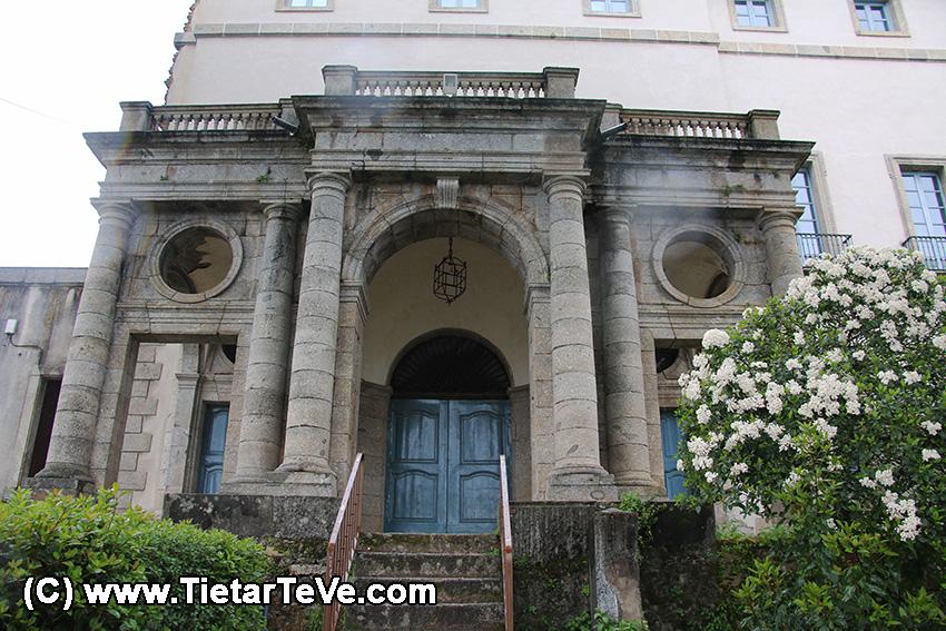 Pórtico del Palacio del Infante don Luis de Borbón y Farnesio o Palacio de la Mosquera de Arenas de San Pedro – TiétarTeVe