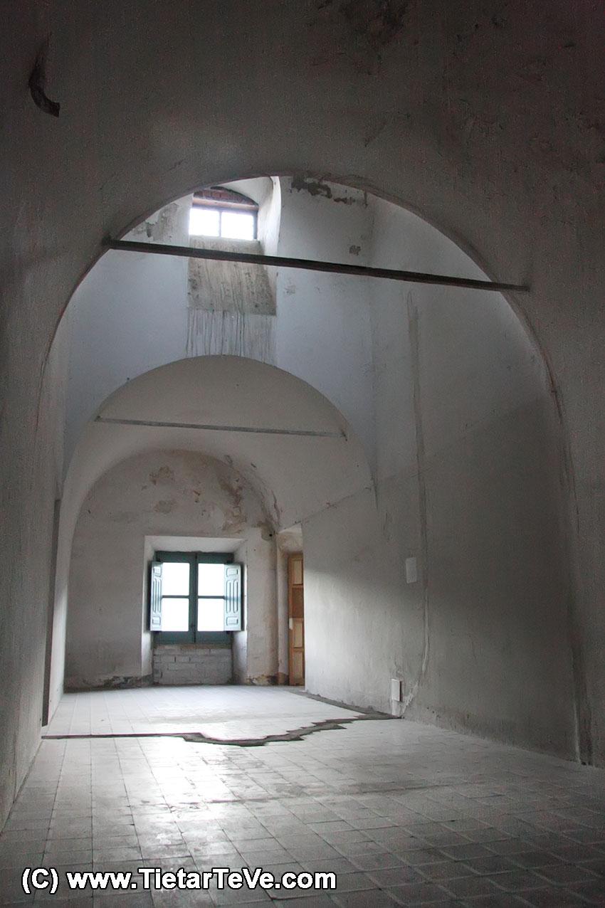 Estancia de la segunda planta del Palacio del Infante don Luis de Borbón y Farnesio o Palacio de la Mosquera de Arenas de San Pedro - TiétarTeVe