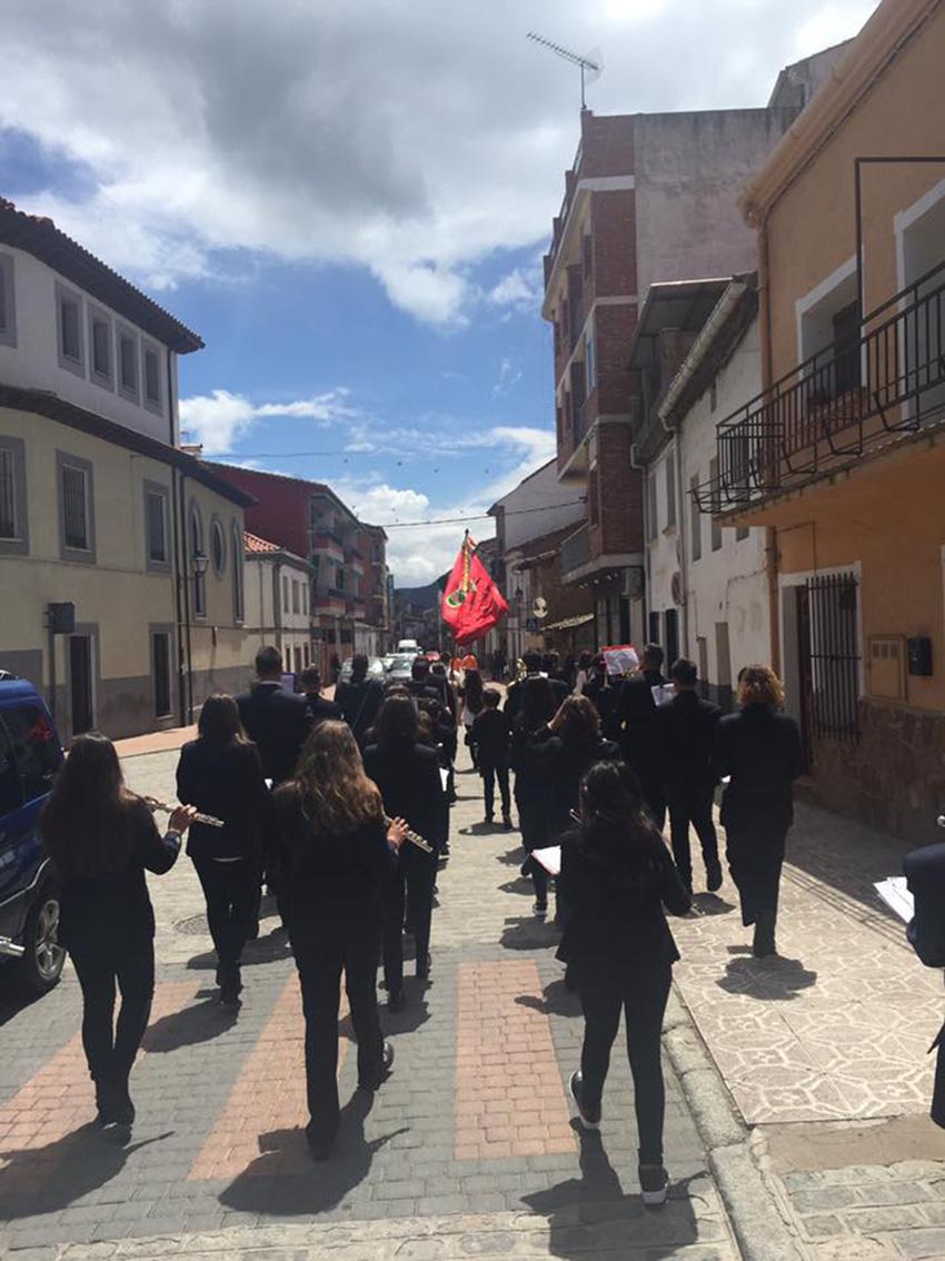 Pasacalle de la Banda de Arenas de San Pedro en El Tiemblo – TiétarTeVe