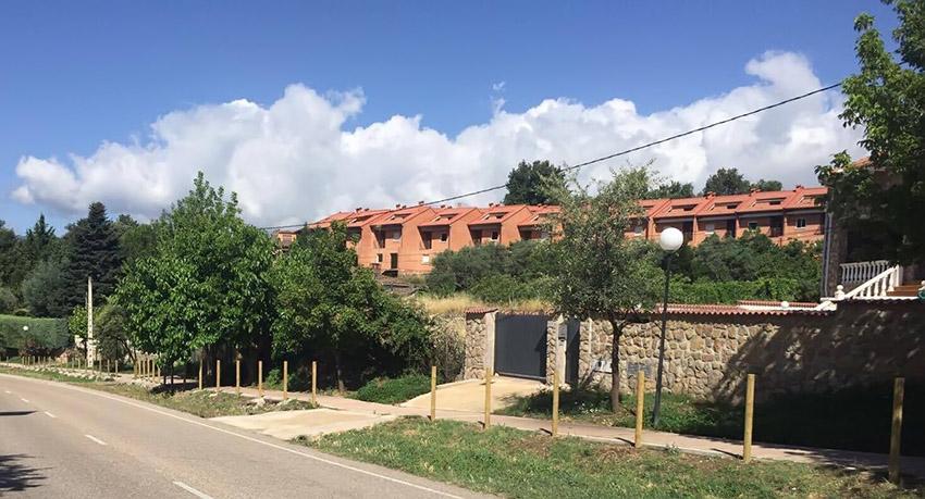 Paseo Profesor Eduardo Tejero Robledo - La Parra (Arenas de San Pedro) - TiétarTeVe