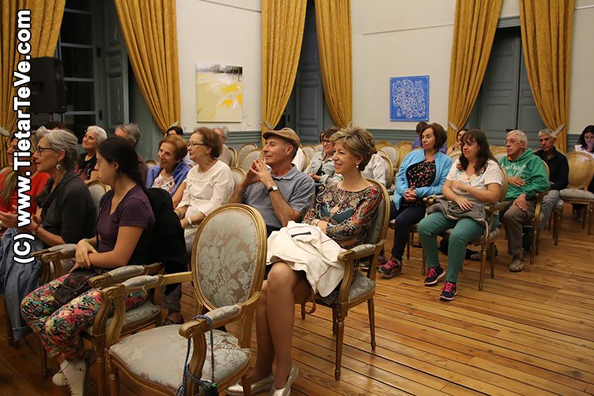 """Presentación del libro """"El Infante de la Sonrisa Triste"""" - Arenas de San Pedro - TiétarTeVe"""
