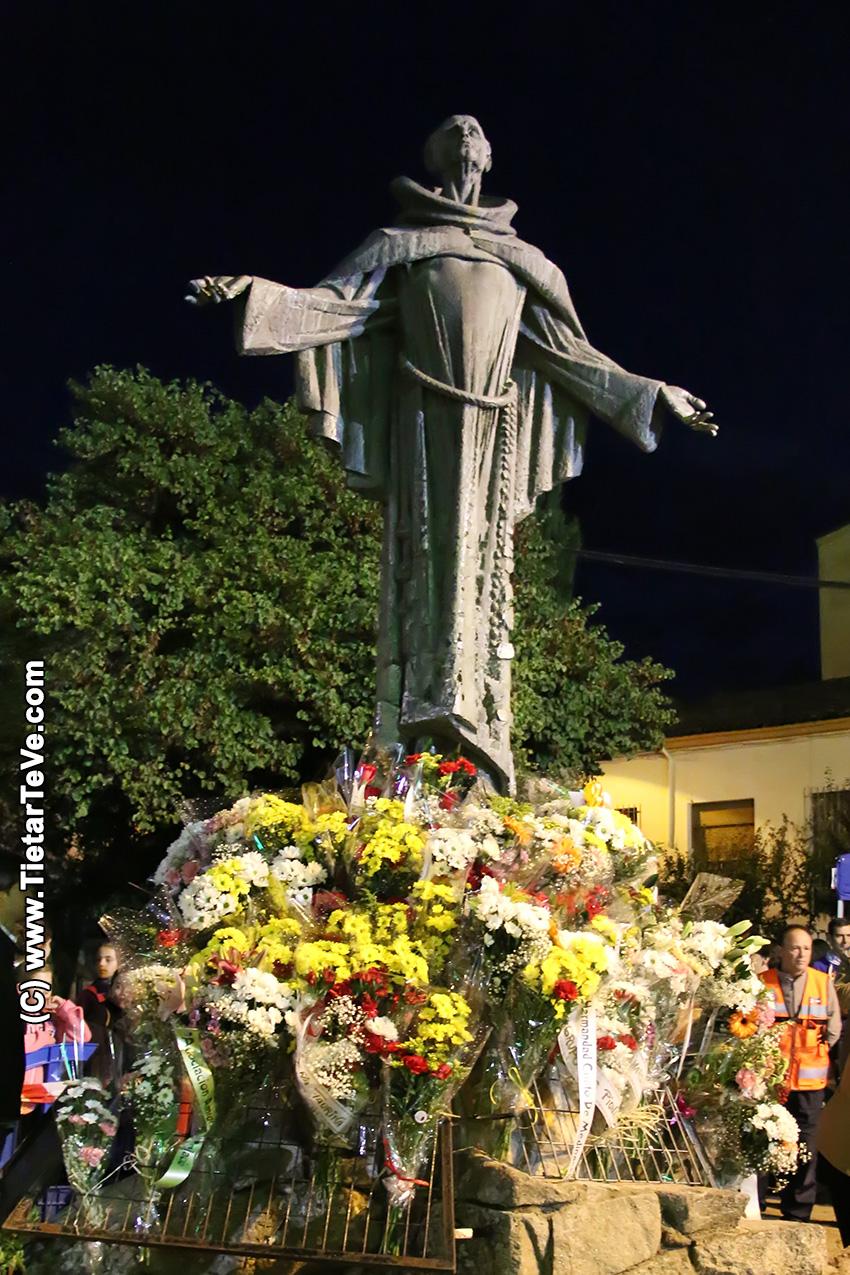 Ofrenda Floral a San Pedro de Alcántara en Arenas de San Pedro 2017 - TiétarTeVe