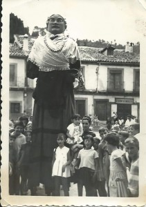 Gigantes Pedro y Pilar - Arenas de San Pedro - TiétarTeVe